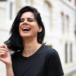 The Pros and Cons of Teeth Bonding vs Veneers